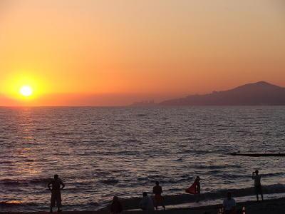 Закат на пляже Адлера.