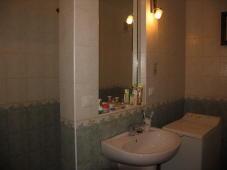 Сдаётся 2-х комнатная квартира в Феодосии.