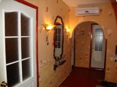 Двух комнатная квартира посуточно в Ильичёвске
