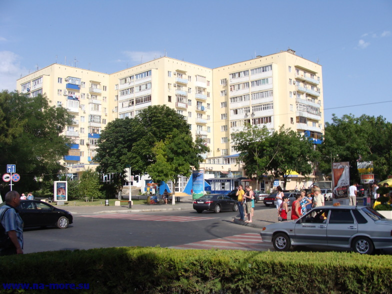 На Крымской улице в Анапе.