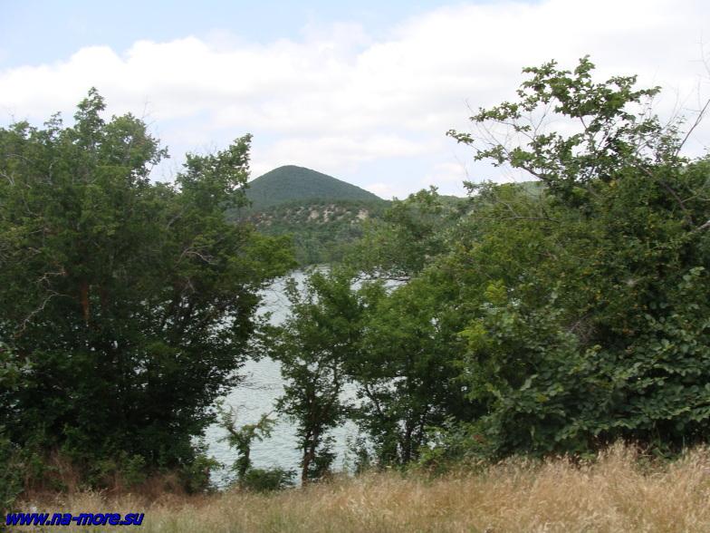 Берег озера Сукко.
