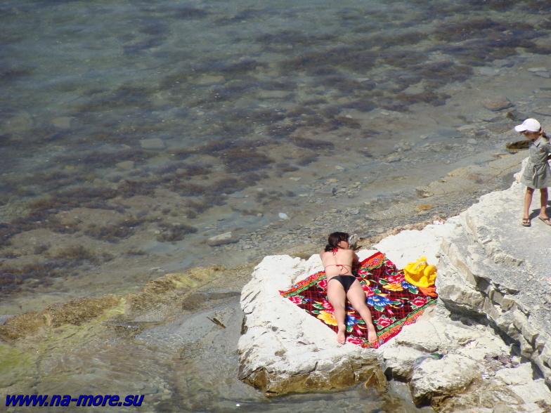 Чёрное море. Пляж на круче.