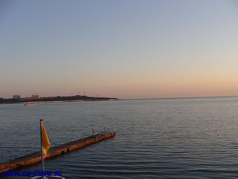 Геленджикская бухта на закате.