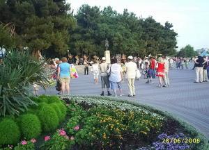 Геленджик. Около памятника М.Ю.Лермонтову.