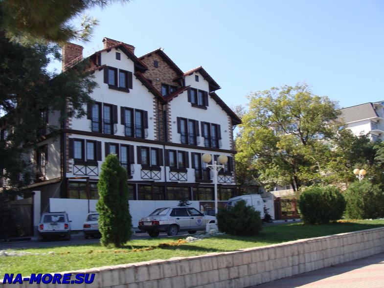 Отель Савой в Геленджике