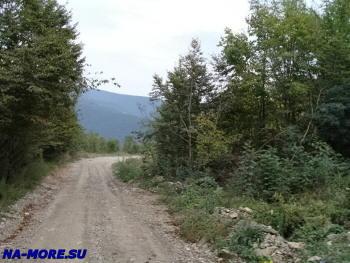Старая военная дорога в горах