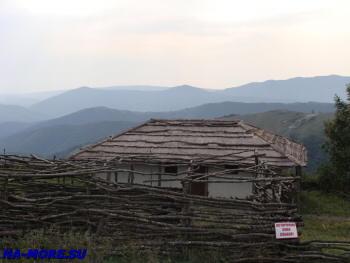 В горах Западного Кавказа модель адыгейского аула