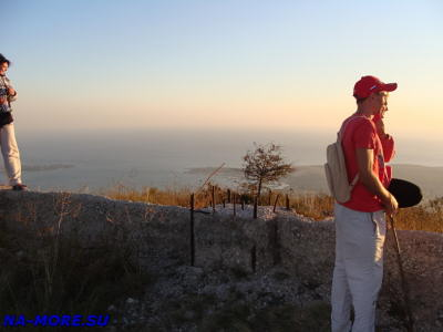 На Маркотхский хребет поднялись пешком