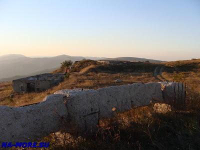 Развалины воинской части на Маркотхском хребте