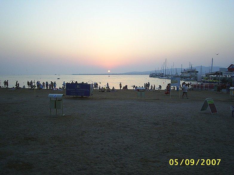 Закат над Геленджикской бухтой.