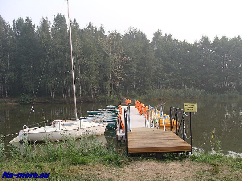 Обновлённая лодочная станция в парке Дубки