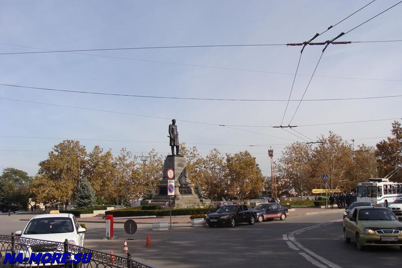 На пл.Нахимова в Севастополе