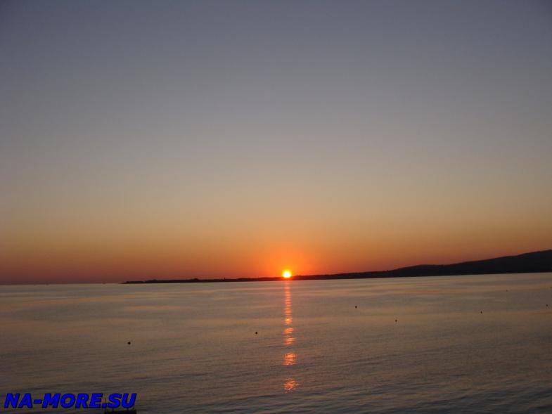 Чёрное море, закат солнца.