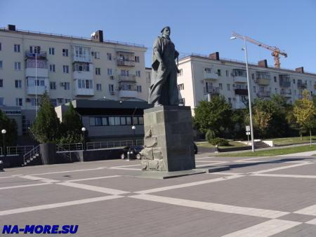 Новороссийск. Памятник Неизвестному матросу.