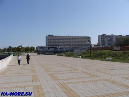 Вид на гостиницу Новороссийск