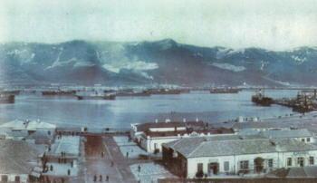 Торговая площадь и порт Новороссийска. 1910 г.