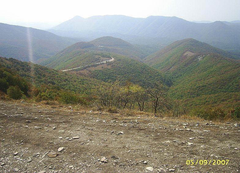 В горах Кавказа. Старая военная дорога.