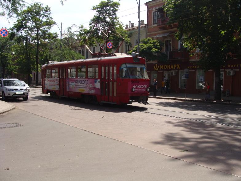 На одесской улице tatra t-3.
