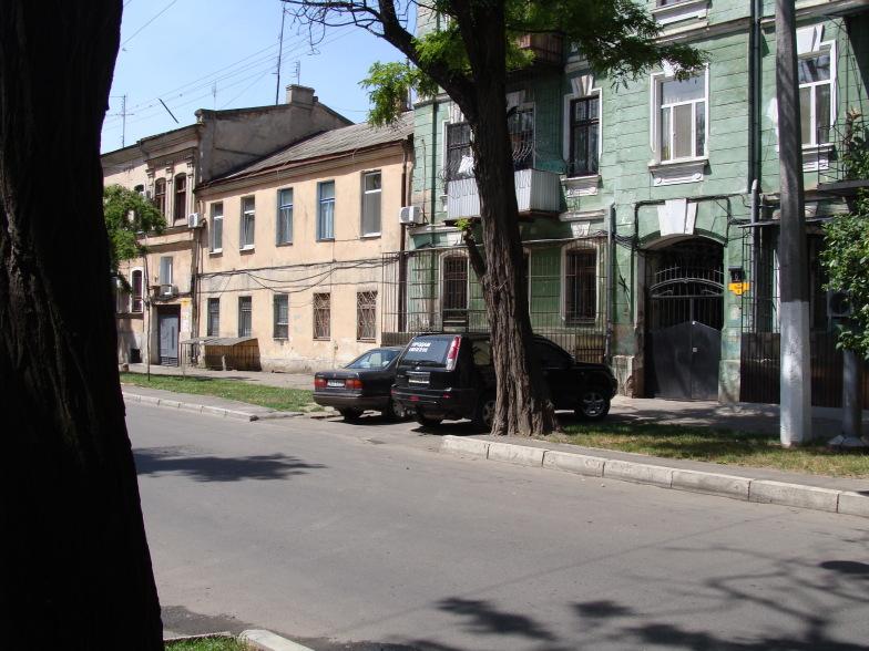 На улице Утёсова в Одессе.