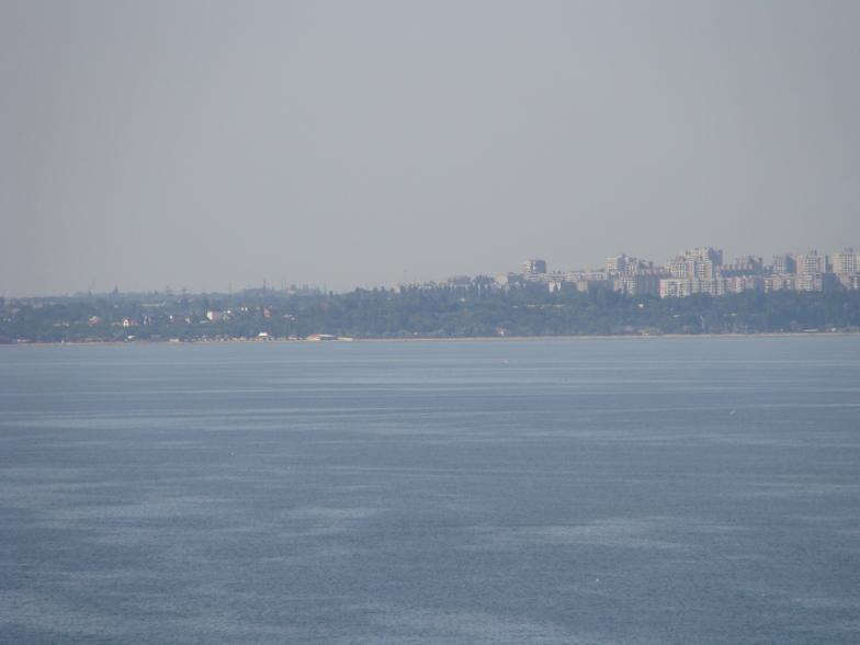 Чёрное море. Одесса с восточной стороны порта.