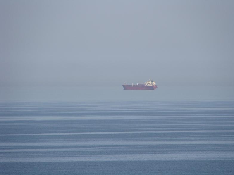Чёрное море. Корабль на рейде Одессы.