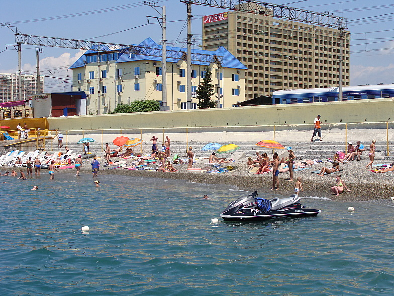 Пляж в Адлере около пансионата ВЕСНА