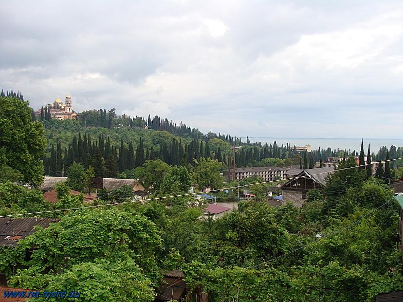 Абхазия. Вид на Новоафонский монастырь.