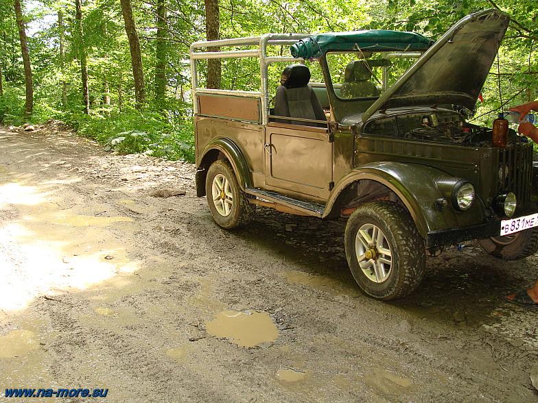 ГАЗ-69 на промежуточной стоянке на пути от Красной Поляны до Хмелёвских озёр.