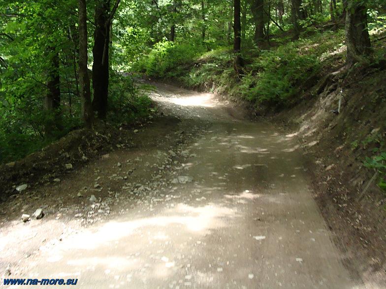 Горная дорога на хребет Ачишхо.