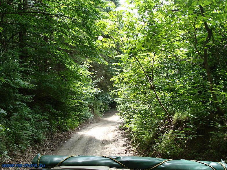 Горная дорога на пути к Хмелёвским озёрам.