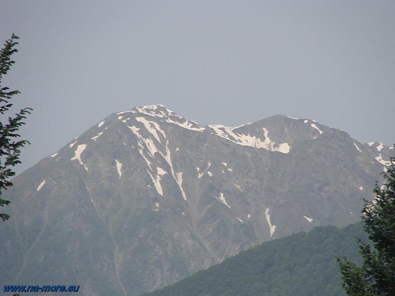 Вершины главного Кавказкого хребта в районе Красной Поляны.