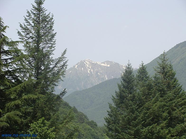 Горные вершины Кавказа.