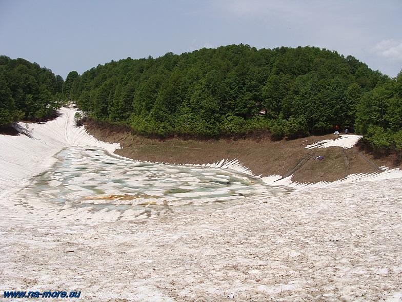Одно из озёр Хмелевского на хребте Ачишхо.