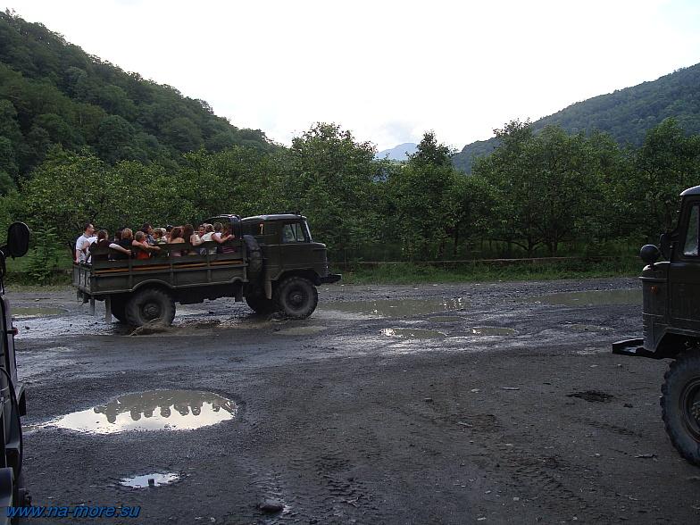 ГАЗ-66 везёт туристов в аул Большой Кичмай