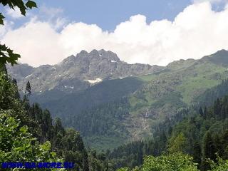 Горы Абхазии у озера Рица