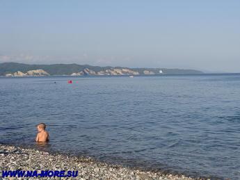 На пляже Пицунды