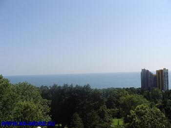 Чёрное море с верхней точки дендрария