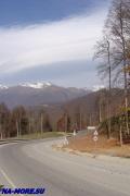 Шоссе в горах к олимпийским объектам. Высота около 1500 м.