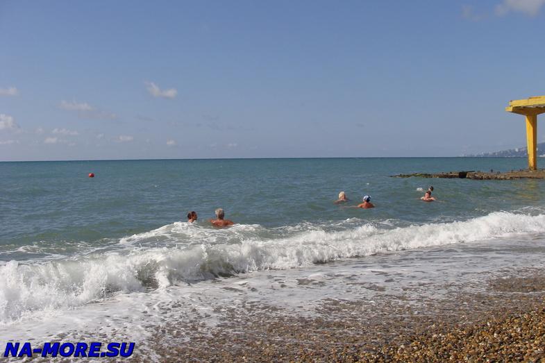 Октябрь на пляжах Сочи