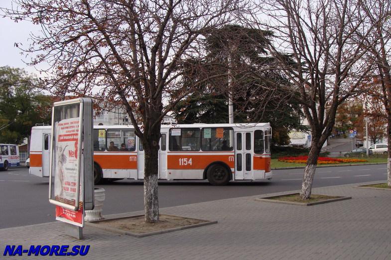 Троллейбус Зиу-9 в Севастополе.