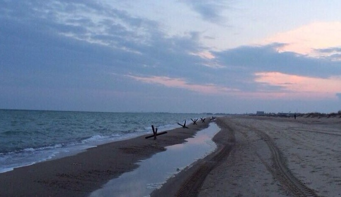 Каролино Бугаз пляж