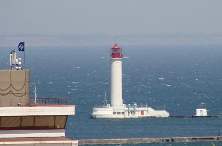 Чёрное море. Воронцовский маяк в Одессе.