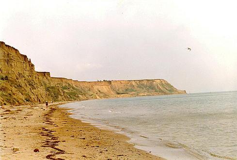 Пляжи Таманского полуострова на Чёрном море. Около посёлка Волна. Мыс Железный Рог